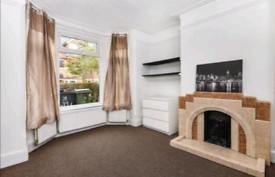 Central Double bedrooms available now