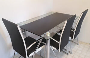 Dining table set & 4 chairs included