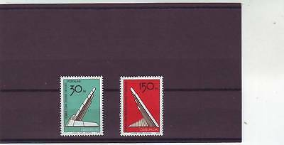 a109 - TURKISH CYPRIOT POSTS - SG47-48 MNH 1976 LIBERATION MONUMENT