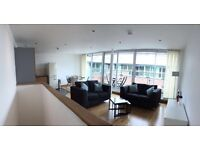 Ensuite Double Room in Penthouse Apartment £450pm