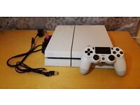 Sony Playstation 4 (PS4) White 500GB with 1 pad and 2 games