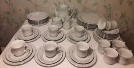 Dinner and Breakfast Service, 6 Plates + Bowls, 12 Trios, Coffee Pot, Sucrier + Creamer, Crown Ming
