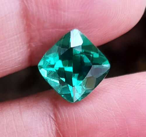 8x8 mm._2.70cts. CUSHION GREEN EMERALD Excellent Loose Created Gems AAA