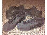 Nike Trainers X2 (CHEAP, BARELY W0RN)