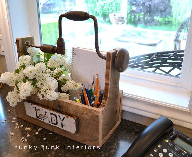 Organize your office with these unique upcycled ideas ebay for Old wooden box ideas