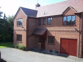 Double Room - Large Modern Detached house