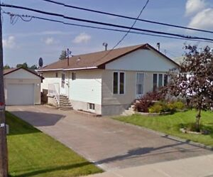3+2 Bdrm bungalow with Garage in Sopo