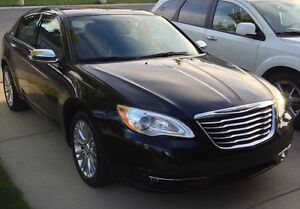 Chrysler 200 Limited - low mileage & extended warranty!