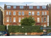 2 bedroom flat in Greencroft Gardens, London, NW6 (2 bed) (#1227375)