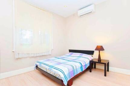 8MIN WALK TO KOGARAH STATION! SPACIOUS PRIVATE ROOM FOR RENT!