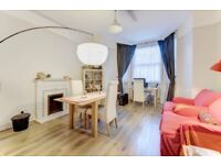 Redcliffe Square SW10. Well proportioned one double bedroom flat to rent.