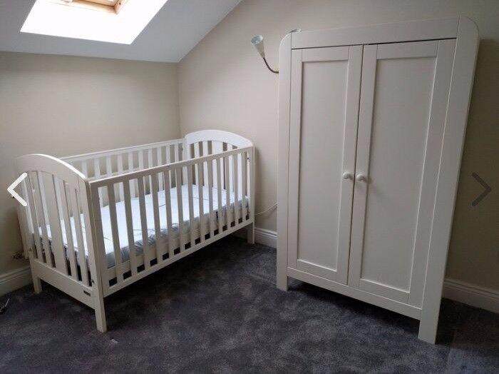 Mamas Papas Vico 3 Piece Nursery Furniture Set In White