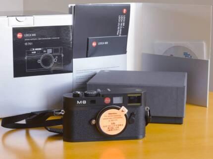 Leica M8 10.3 MP Digital Rangefinder camera body