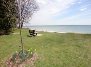 4 Bedroom 3 LEVEL SIDE SPLIT HOME with POOL by LAKE,  AJAX