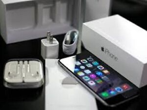 Excellent Condition Iphone 6 128 GB Black/Silver For Sale