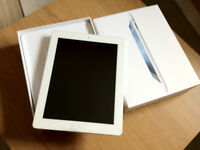 Immaculate & Hardly Used iPad 4th Generation 16GB in White with Box