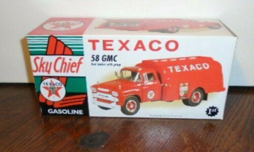 NEW FIRST GEAR 1958 TEXACO SKY CHIEF FUEL TANKER W/ PUMPS DIE-CAST 19-2357, 1/34