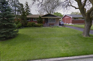 close to ridley college/sir winston churchill,2 bedroom(homestay
