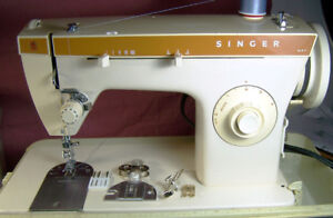 SINGER 247 ZIGZAG SEWING MACHINE STRONG 0.8AMP. MOTOR