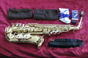 J Michael Alto Saxophone Eb In Case
