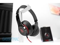Beats by Dre solo 2 headphones in gloss black.