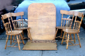 SOLID WOOD Dining Table w/2 leaves and 4 Chairs, deliv extra$$