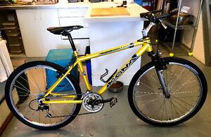 Vélo de montagne Kona Shimano Deore LX