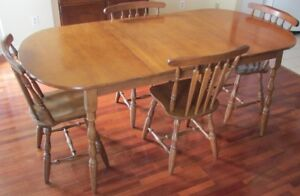 DINING ROOM TABLE AND BUFFET & HUTCH
