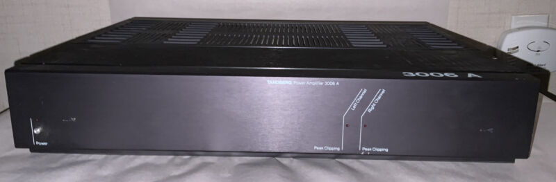 Tandberg 3006A Amplifier. No Power Cable