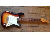 2008 Fender Road worn Stratocaster - 60s sunburst Strat -