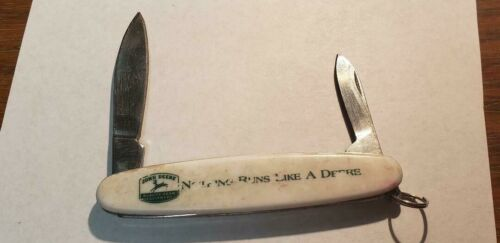 JOHN DEERE POCKET KNIFE  3¼""