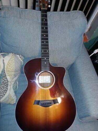 2013 Taylor 214ce SB Beautiful Guitar!!