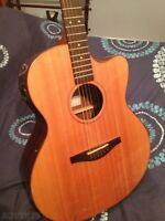 Acoustic guitar lost / Guitare perdue — Cash reward / récompense