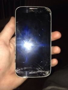 Bell Samsung S4 - cracked screen