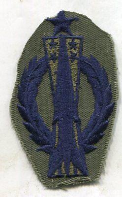MISSILE OPERATIONS ROCKET POCKET BADGE Senior US AIR FORCE USAF OD Subdued