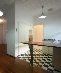 Beautiful double bedroom 2km Curtin – Share w one single female Wilson Canning Area Preview