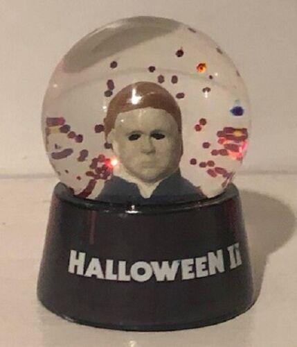 Michael Myers Halloween II mini snowglobe