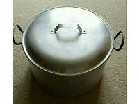 XXL Saucepan with Lid