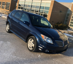 2007 Pontiac Vibe - Sunroof - bluetooth - 5 speed - ONLY 124KM