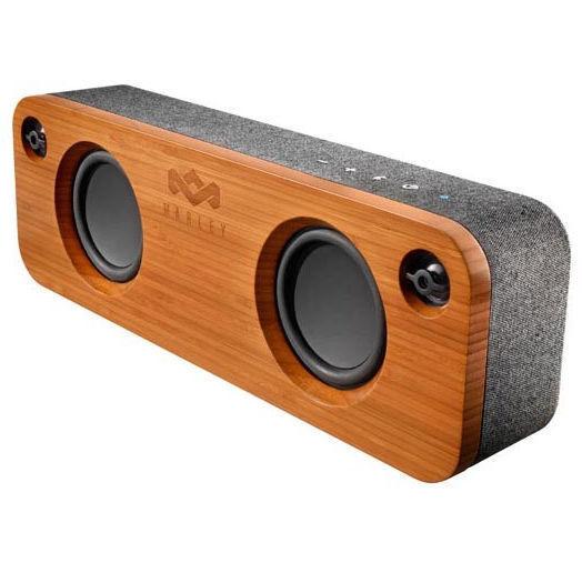 Nach welchen Kriterien wählt man das Gehäusematerial eines Lautsprechers aus?