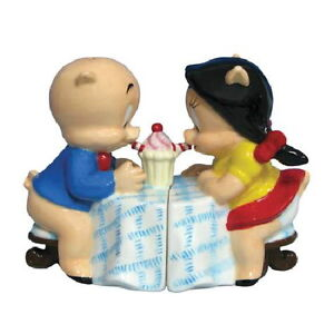 Looney Tunes Porky and Petunia Pig Sitting Ceramic Salt & Pepper Shakers Set NEW