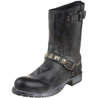 Rogan Engineer (New in Box Men's FRYE Men's Rogan Studded Engineer Boot Black Retail $ 347)