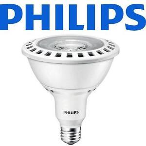 NEW PHILIPS LED FLOOD LIGHT BULB - 109965509 - 17W WHITE PAR38 20000 HRS DIMMABLE