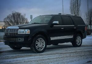 2007 Lincoln Navigator Ultimate SUV, Crossover