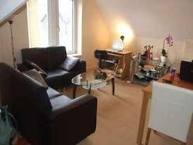 2 bedroom flat in Claude Road, Roath, Cardiff, CF24 3QD