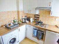 Well presented 3rd floor, fully furnished 2 bedroom flat - Linton Court - Dalry