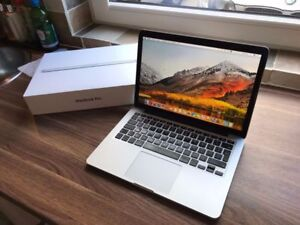 Macbook Pro 13 inch 2015 - NEW Condition - FREE case