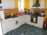 3 bedroom flat in Waterloo Road, Penylan, Cardiff, CF23 9BL