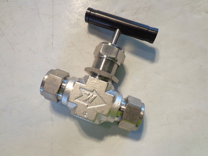 WHITEY STAINLESS INTEGRAL BONNET NEEDLE VALVE SS18RS12