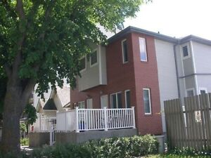 BACHELOR SUITE FOR RENT ON UOFA CAMPUS & WHYTE AVENUE!